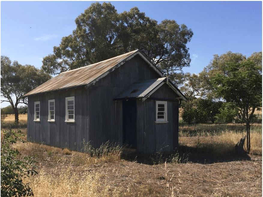 Neurea Union Church - Former
