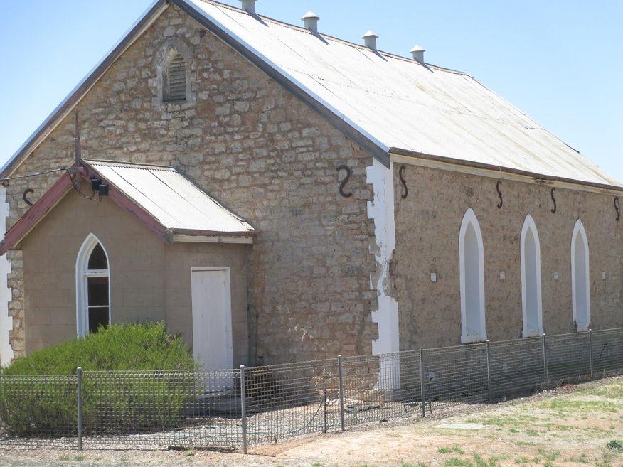 Rainbow Baptist Church - Former