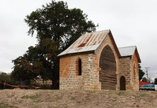 Greendale Anglican Church - Former 30-03-2013 - Lawrencew - See Note.
