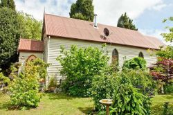 Pioneer Drive, Mole Creek Church - Former