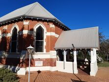 St George's Anglican Church 10-07-2020 - Calistemon - See Note.
